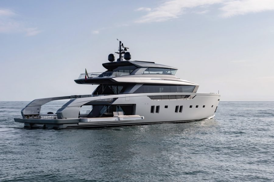 SX112 makes its overseas debut at the Palm Beach International Boat Show 2021